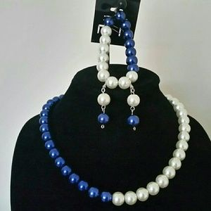 Jewelry - Blue and white glass pearl necklace set